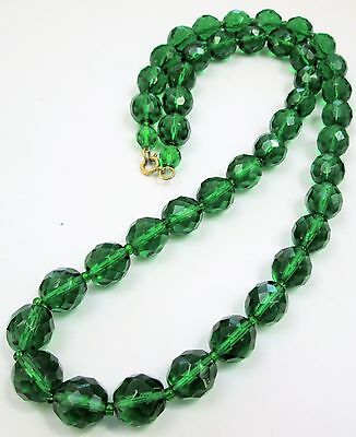 Stunning vintage Deco long emerald glass bead necklace