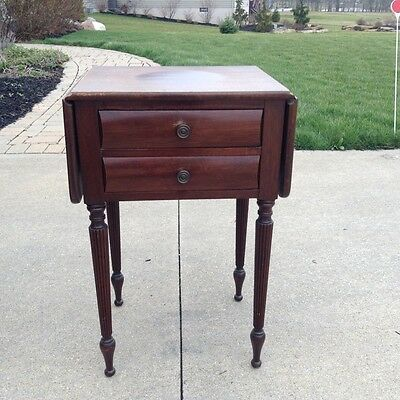 Antique American Drop Leaf Side End Table With Two Drawers
