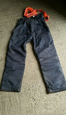 Stihl chainsaw trousers and braces. Large