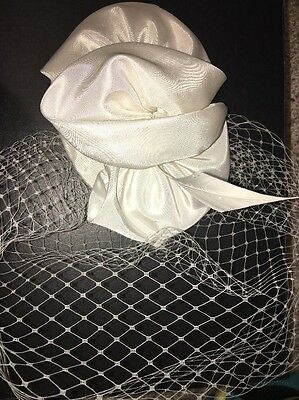 Arturo Rios Fascinator Derby Hat White Lace Feather