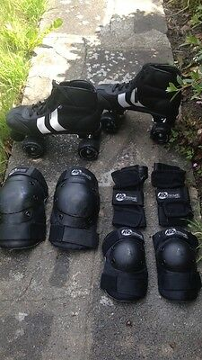 Rookie Retro Quad Roller Skates - Black/White Size 6 with pads included