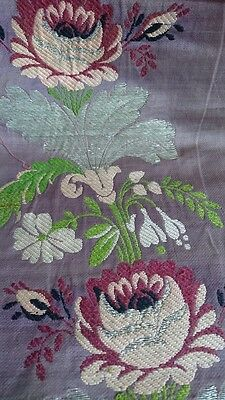 DELICIEUX MORCEAU ANTIQUE FRENCH SILK BROCADE & SILVER WIRE WEAVE 18th century