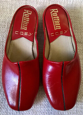 GENUINE VINTAGE 1960s LEATHER SLIP-ON WEDGE MULE SLIPPERS, Size 2.5