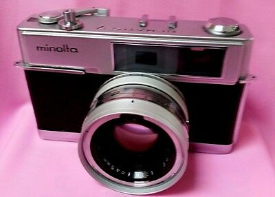 Vintage Minolta Hi-Matic 7  With Brown Leather Case