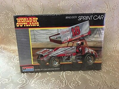 Monogram Brad Doty Sprint Car World of Outlaws Car Model Kit #2752 Sealed