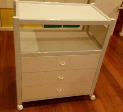 change table with drawers/tallboy