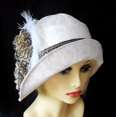 VINTAGE INSPIRED 1920's 1930's STYLE CREAM CLOCHE HAT RUFFLES AND FEATHERS