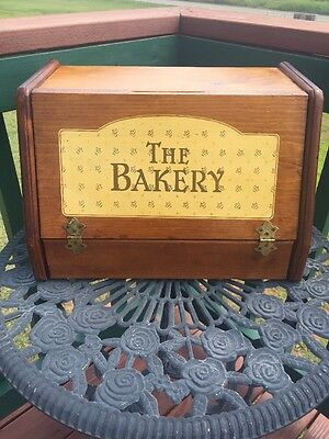 """Vintage Wooden 'The Bakery"""" Bread Box"""