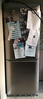 Hotpoint A rated Frost Free 70cm FF47 fridge freezer