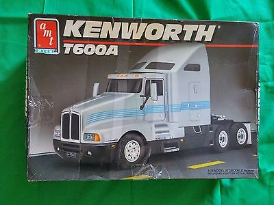 AMT Ertl Kenworth T600A Truck 1/25model kit