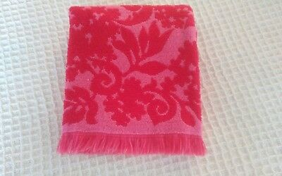 Vintage & Gorgeous Bath Towel, Red & Pink Floral Design