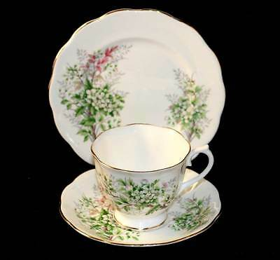 Vintage Royal Albert Friendship series Hawthorn pretty teacup trio set