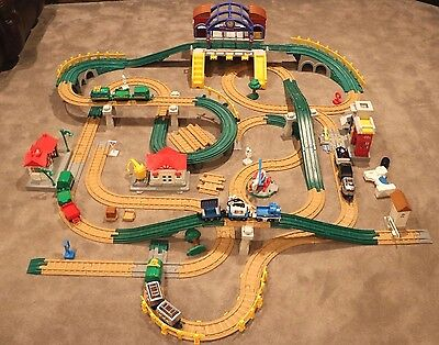 Fisher Price Geo Trax Lot Trains Tons of Track Grand Central Station Geo Trax