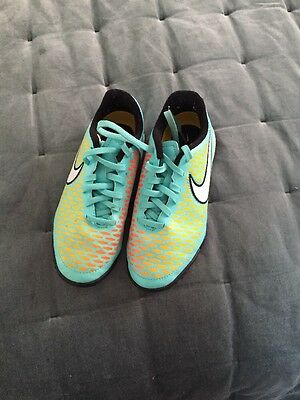 Boys Nike Astro Trainers Football Size 2