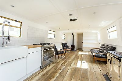 Beautiful newly built & fitted luxury 60x12 widebeam boat – London liveaboard