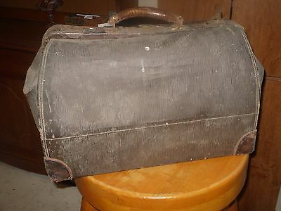 Antique Doctors Bag Suitcase House Call Doctor Leather Early 1900's