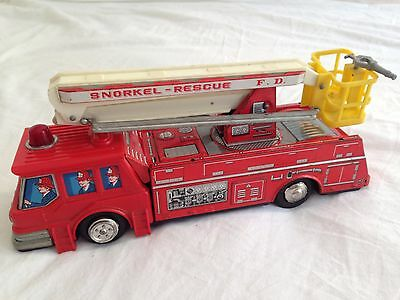 Vintage Tinplate Fire Engine Snorkel Rescue Truck Made In Japan