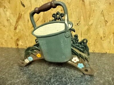 French Country Shabby Chic Vintage Style Cast Iron Garden Hose Reel Holder
