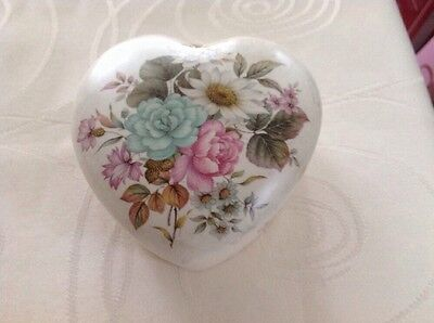 Pretty Vintage Heart Shaped Trinket Box. Purbeck Gifts Poole, Dorset.