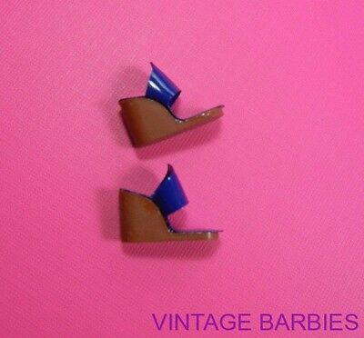 Barbie Doll Fashion PAK Blue Wedge Shoes / Heels  ~ Vintage 1960's