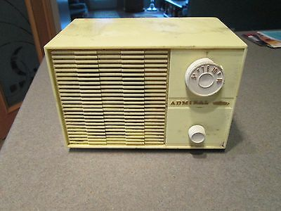 Vintage Admiral AM Tube Radio YG 703 White Plastic Case for Parts or Repair