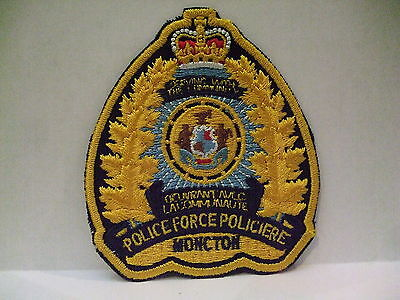 police patch  MONCTON POLICE NEW BRUNSWICK CANADA  CREST STYLE