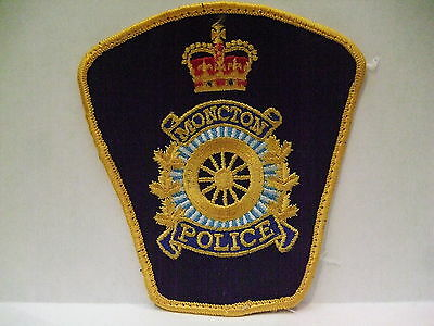 police patch  MONCTON POLICE NEW BRUNSWICK CANADA  WHEEL STYLE CREST