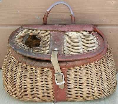 Vtg. OLD WICKER Basket Freshwater FLY FISHING CREEL~Trout