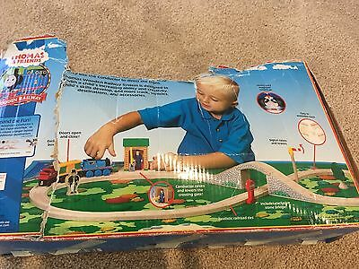 Thomas the Tank Engine - Conductor Figure 8 Set