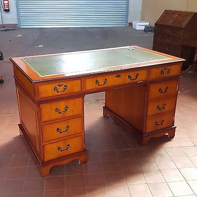 Antique/reproduction Yew/cherry Leather Topped Computer Desk Well Sized