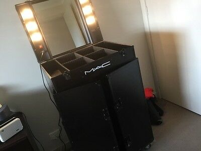 MAC  MAKEUP station with lights MASSIVE LIMITED EDITION.RARE ITEM check it OUT..