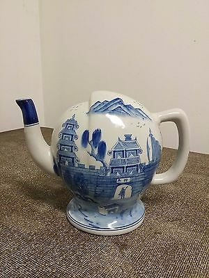 ANTIQUE 19th Century Reproduction Chinese Blue and White Porcelain Teapot