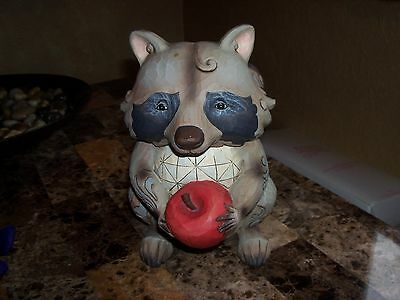 Jim Shore Heartwood Creek 2007 Raccoon With An Apple #4009750