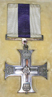 Ww1 Military Cross, Mint In Original Case Of Issue, With Presentation Pin