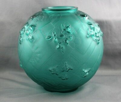 Sabino France Art Glass Art Deco Green Les Abeilles Beehive Honeycombs Vase RARE