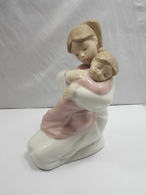 Nao By Lladro Figurine #1467 A Hug Of Love, with box