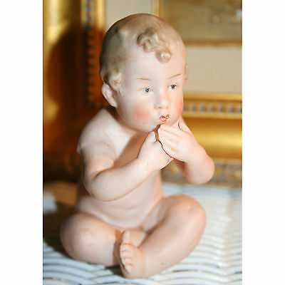 "Wonderful sitting 4.5"" HEUBACH Piano Baby ACTION CUTIE BLOWING KISSES"