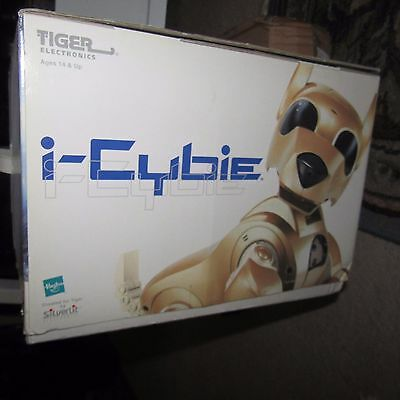 Hasbro i-Cybie GOLD EDITION Tiger Electronics,used once.Remote/charger/battery