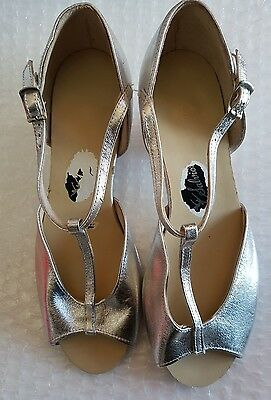 Salvios dance shoes Size 2