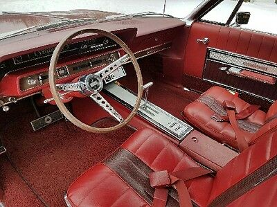 1966 Ford Galaxie  7-litre convertible, a show piece of America's greatness ;)
