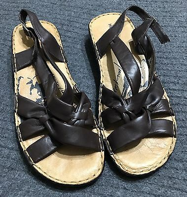 Women's Hush Puppies Size 9, Leather Sandals, New