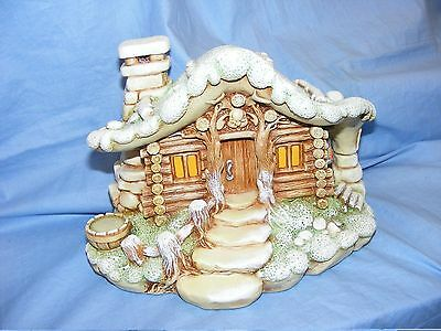 Pendelfin Stoneware Christmas Cabin Made In Burnley Boxed