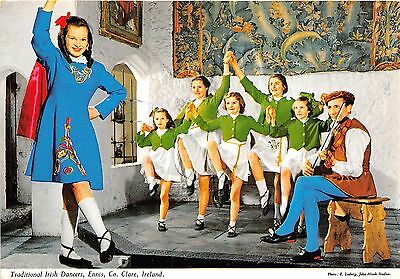 Bg32827 traditional irish dancers ennis clare ireland types folklore