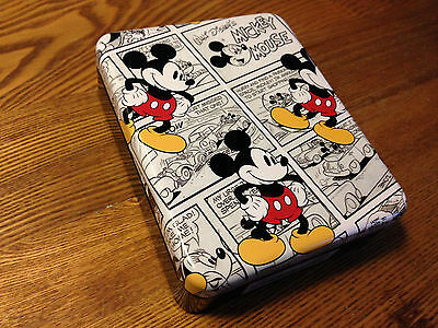 MICKEY MOUSE WALLET in Collectible Tin....New w/tags....Retail 30.00