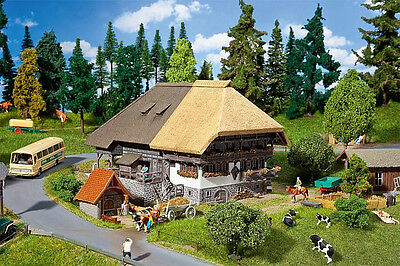 130534 Faller HO Kit of Black Forest Farm with straw roof - NEW