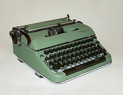 Vtg 1950s Olympia SM3 Portable Typewriter West Germany Green Works Great W/Case