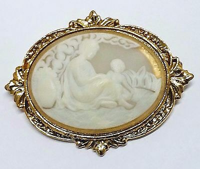 VTG Translucent Glass Cameo Mother&Child Cameo Brooch/Pin Ornate Setting Goldton