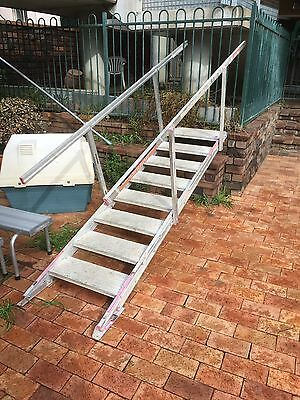 Aluminium Self Levelling Stairs With Hand Rail Industrial Steps