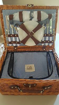 Wicker Picnic Hamper For Two with Cutlery & Cool Bag - New