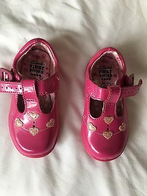 Clarks first shoes, baby girl size 3.5 f, pink. excellent condition